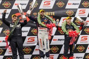 Yarış galibi Shane van Gisbergen, Triple Eight Race Engineering, second place Brodie Kostecki, Erebus Motorsport, third place David Reynolds, Kelly Grove Racing