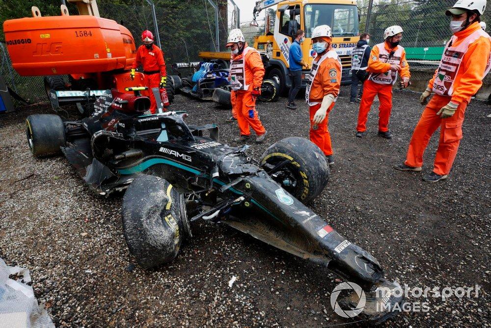 Monoplaza dañado de Valtteri Bottas, Mercedes W12 después del choque