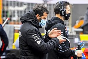 Daniel Ricciardo, Renault F1, on the grid