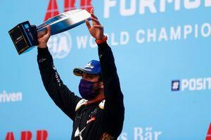 Race winner Jean-Eric Vergne, DS Techeetah on the podium