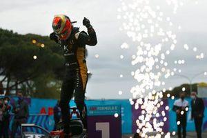 Jean-Eric Vergne, DS Techeetah, DS E-Tense FE21, celebrates victory