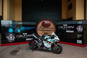 Bike of Chaz Davies, Team Go Eleven