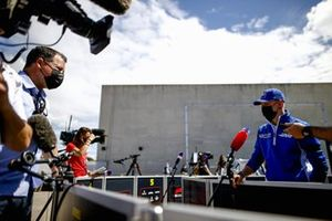 Mick Schumacher, Haas F1 met de media