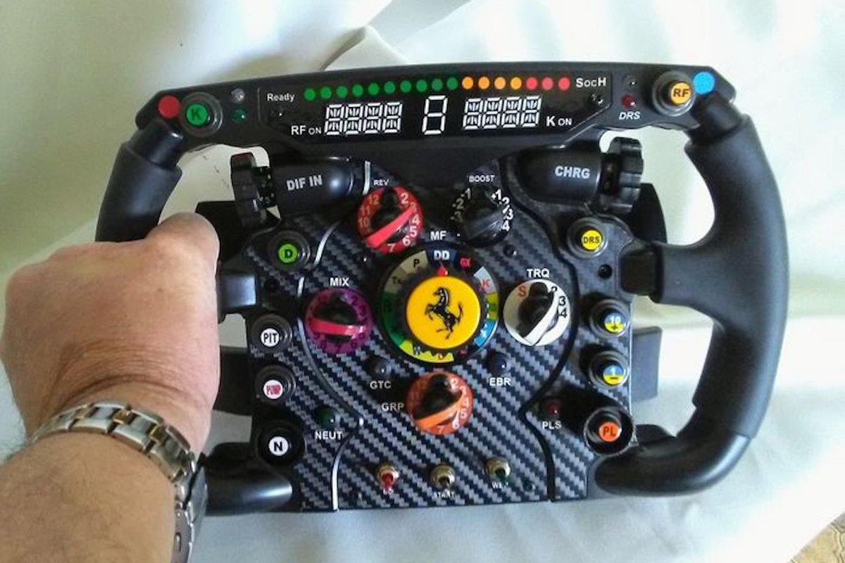 2010 Ferrari Formule 1 replica stuur van Catawiki