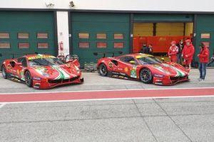 Le Ferrari 488 GTE Evo: #51 AF Corse: Alessandro Pier Guidi, James Calado, #52 AF Corse: Daniel Serra, Miguel Molina