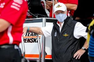 Roger Penske, Scott McLaughlin, Team Penske Chevrolet pit box