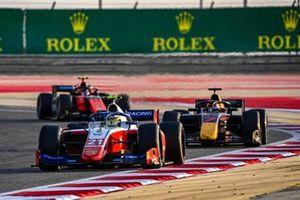 Robert Shwartzman, Prema Racing leads Yuki Tsunoda, Carlin