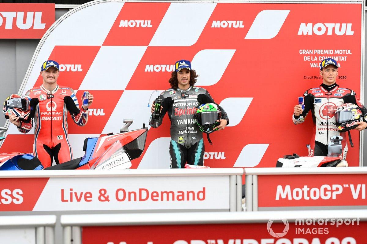 Los 3 primeros clasificados: segundo Jack Miller, Pramac Racing, ganador de la pole Franco Morbidelli, Petronas Yamaha SRT, y tercero Takaaki Nakagami, Team LCR Honda