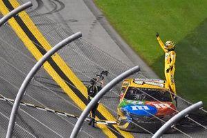 Race winner Kyle Busch, Joe Gibbs Racing, Toyota