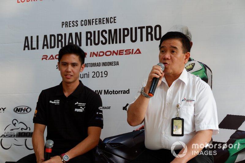 Ali Adrian, ONEXOX TKKR SAG Team dan Direktur Sales & Marketing PT Pertamina Lubricants, Andria Nusa