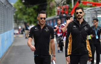 Andre Lotterer, DS TECHEETAH, walks the track