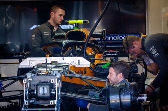 McLaren MCL34 voorkant detail
