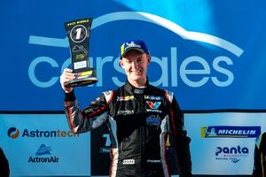 Podium: race winner Dylan O'Keeffe, Ashley Seward Motorsport