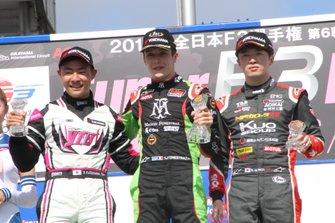 サッシャ・フェネストラズ(B-Max Racing with motopark)、片山義章(OIRC team YTB)、宮田莉朋(カローラ中京 Kuo TEAM TOM'S)