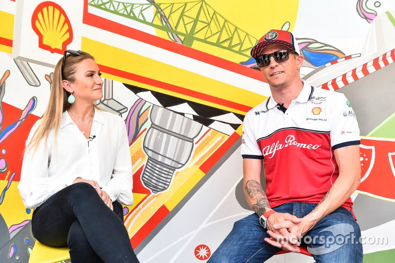 Julia Piquet and Kimi Raikkonen, Alfa Romeo Racing