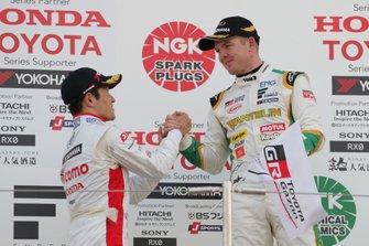 Podium: race winner Nick Cassidy, Team Tom's, second place Naoki Yamamoto, Dandelion Racing