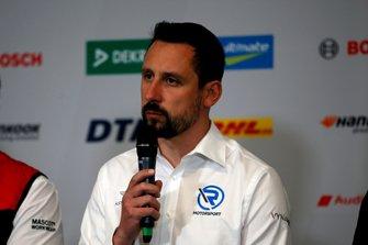 Dr. Florian Kamelger, oprichter en eigenaar van AF Racing AG en teambaas R-Motorsport