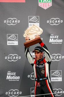 Podio: Esteban Guerrieri, ALL-INKL.COM Münnich Motorsport Honda Civic Type R TCR