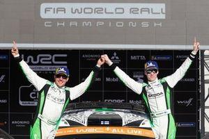 Победители в зачете WRC 2 Pro Калле Рованпера и Йонне Халттунен, Škoda Fabia R5