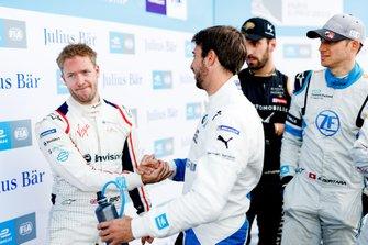 Sam Bird, Envision Virgin Racing, stringe la mano ad Antonio Felix da Costa, BMW I Andretti Motorsports