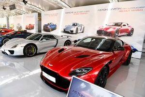 La voiture de Helmut Marko, Aston Martin DBS Superleggera est exposée