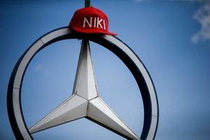 Fan tribute to Niki Lauda in the Fan Village