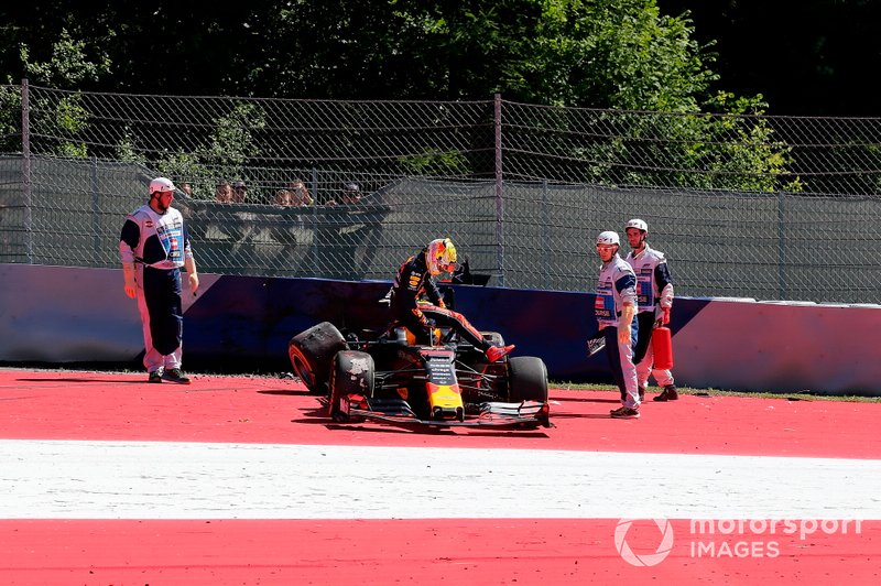 Choque de Max Verstappen, Red Bull Racing RB15