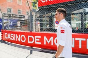 Edoardo Mortara, Venturi Formula E,on a track walk