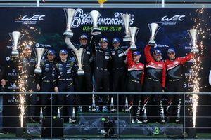 Подиум GTE AM: победители Кристиан Рид, Риккардо Пера, Мэтт Кэмпбелл, Dempsey-Proton Racing (№77); второе место – Салих Йолуч, Эван Алерс-Хонки, Чарльз Иствуд, TF Sport (№90); третье место – Луис Перес Компанк, Маттео Крессони, Мэтью Гриффин, Clearwater Racing (№61)
