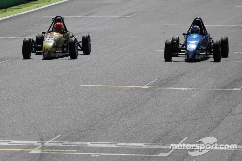 6) 0s004, Ricardo Cury (BRA), Interlagos (BRA), Fórmula Vee, 2019. 2º: João Pedro Maia
