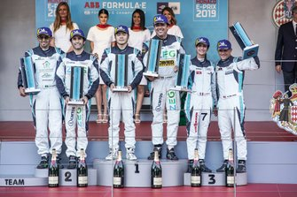 PRO podium winners (Cacá Bueno, Jaguar Brazil Racing celebrates on the podium with Sérgio Jimenez, Jaguar Brazil Racing, 2nd position, Bryan Sellers, Rahal Letterman Lanigan Racing, 3rd position) stand with the PRO AM podium winners (Yaqi Zhang, Team China, Bandar Alesayi, Saudi Racing, 2nd position, Célia Martin, Viessman Jaguar eTROPHY Team Germany, 3rd position)