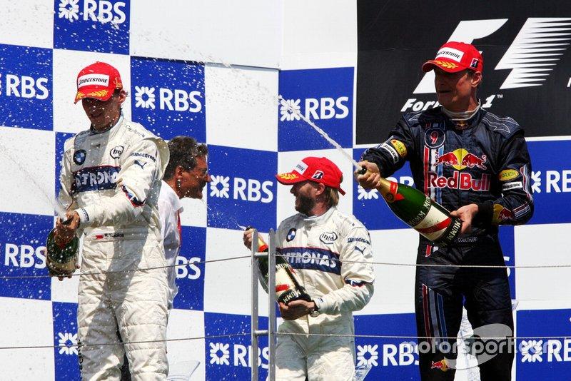 Race winner Robert Kubica, BMW Sauber F1 with Dr. Mario Theissen, BMW Sauber F1 Team Principal; Nick Heidfeld, BMW Sauber F1 and David Coulthard, Red Bull Racing