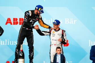 Le vainqueur Jean-Eric Vergne, DS TECHEETAH et le troisième, Sébastien Buemi, Nissan e.Dams, sur le podium