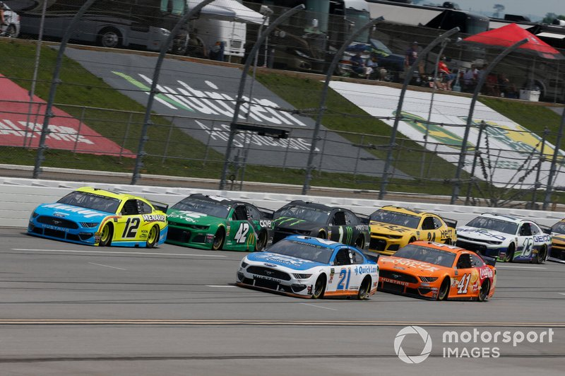 Paul Menard, Wood Brothers Racing, Ford Mustang Quick Lane Tire & Auto Center Ryan Blaney, Team Penske, Ford Mustang Menards/Knauf Kyle Larson, Chip Ganassi Racing, Chevrolet Camaro Clover