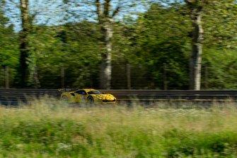 #84 JMW Motorsport Ferrari 488 GTE: Jeffrey Segal, Rodrigo Baptista, Wei Lu
