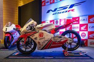 Honda NSF 250R bikes