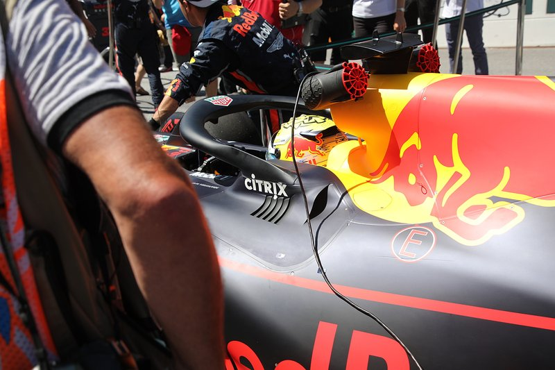 Red Bull Racing RB15, lateral