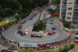 Max Verstappen, Red Bull Racing RB15, leads Sebastian Vettel, Ferrari SF90, Daniel Ricciardo, Renault R.S.19, Kevin Magnussen, Haas F1 Team VF-19, Pierre Gasly, Red Bull Racing RB15, and Carlos Sainz Jr., McLaren MCL34