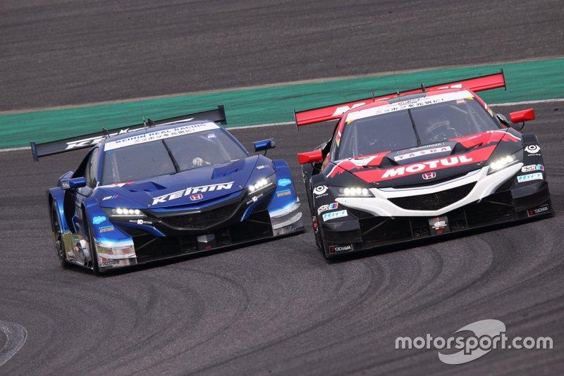 #64 Nakajima Racing Honda NSX-GT: Narain Karthikeyan, Tadasuke Makino, #17 Keihin Real Racing Honda NSX-GT: Koudai Tsukakoshi, Bertrand Baguette