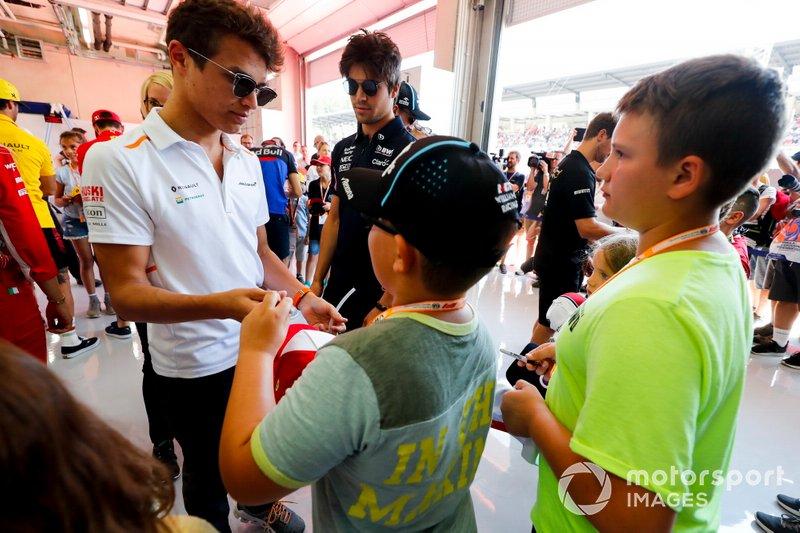 Giovani fan incontrano Lando Norris, McLaren