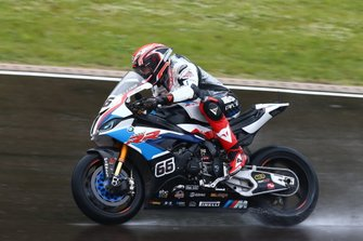Tom Sykes, BMW Motorrad WorldSBK Team bekijkt de omstandigheden