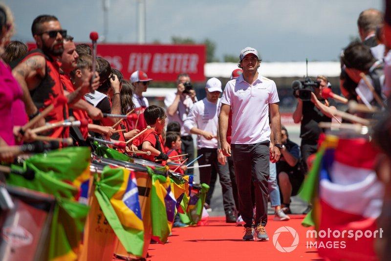 Carlos Sainz Jr., McLaren, at the drivers parade