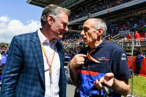 Sean Bratches, Managing Director of Commercial Operations, Formula One Group, with Franz Tost, Team Principal, Toro Rosso