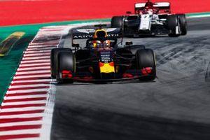 Max Verstappen, Red Bull Racing RB15, leads Kimi Raikkonen, Alfa Romeo Racing C38