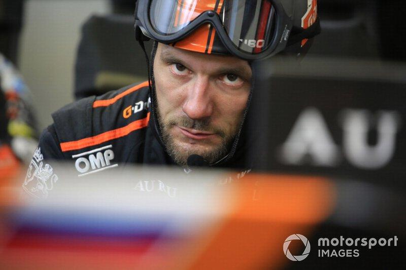 Un miembro del G-Drive Racing