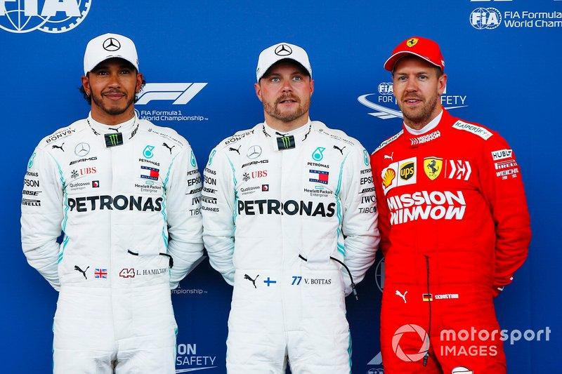 Il poleman Valtteri Bottas, Mercedes AMG F1, il secondo qualificato Lewis Hamilton, Mercedes AMG F1, il terzo classificato Sebastian Vettel, Ferrari