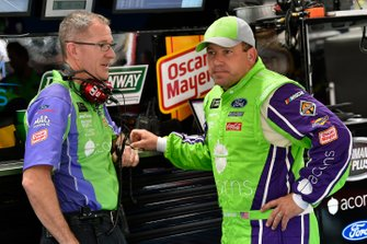 Ryan Newman, Roush Fenway Racing, Ford Mustang Acorns and Scott Graves