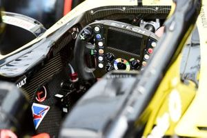 Renault R.S.19 cabina di pilotaggio e volante
