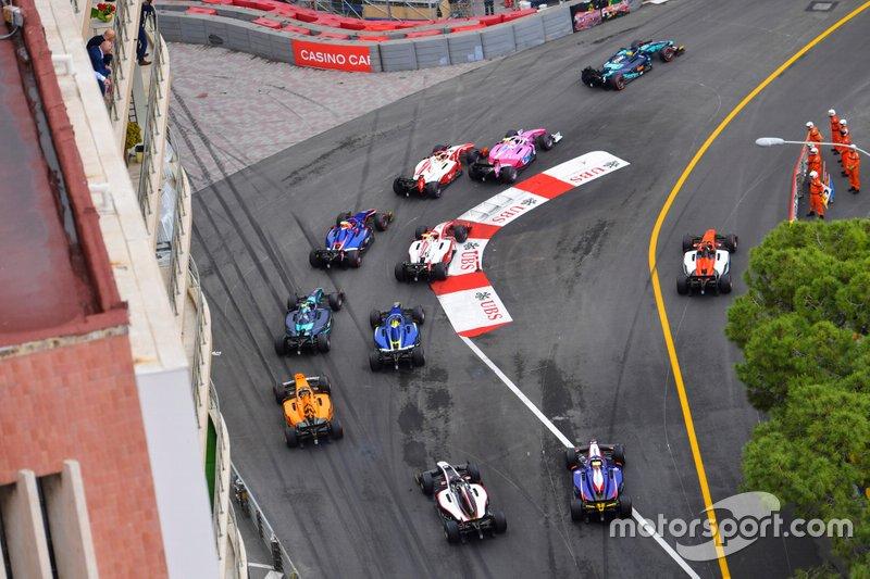 Sergio Sette Camara, Dams, precede Anthoine Hubert, Arden e Mick Schumacher, Prema Racing all'inizio