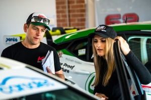Todd Kelly, Kelly Racing, Chelsea Angelo, Kelly Racing Holden Astra TCR